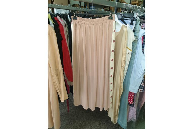 Vendiamo stock abbigliamento donna